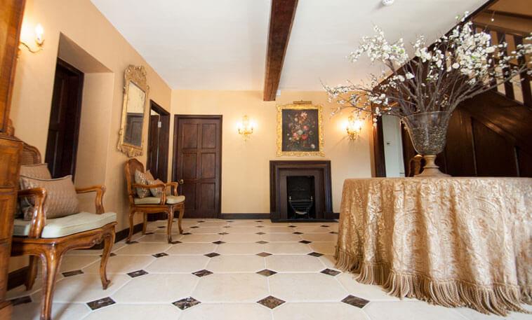 walcott octagonal hallway